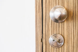 How to install a new Front Door – A step by step guide