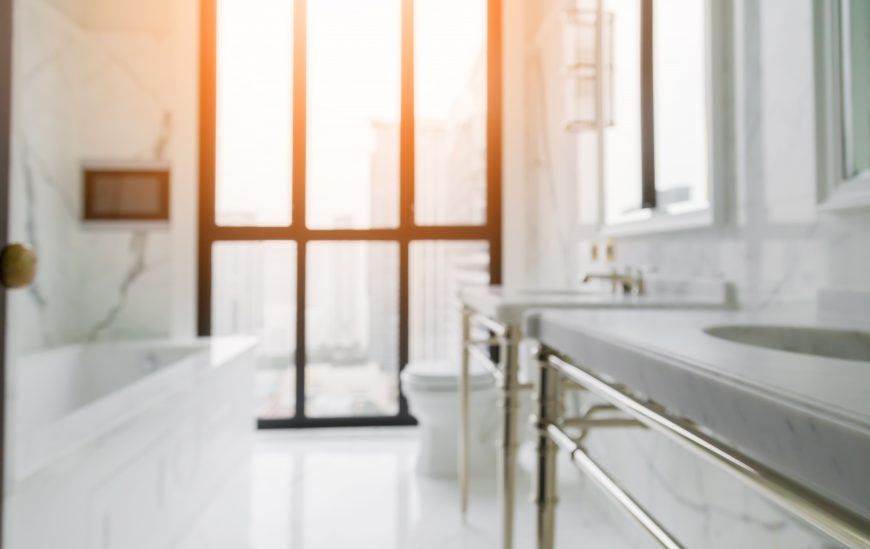 5 Signs of a Neglected Bathroom